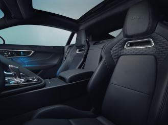 Jag_F-TYPE_21MY_Image_Studio_Interior_Ebony_02.12.19_012